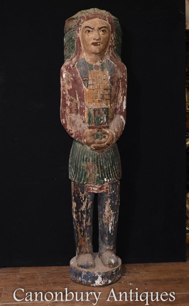 Geschnitzte Statue des amerikanischen Ureinwohners - Indian Chief