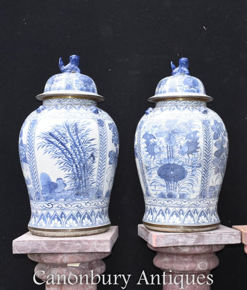 Ming-Porzellanvasen - chinesische blaue und weiße Porzellanurnen
