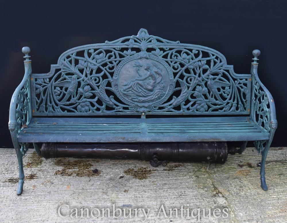 Architektonische Bergung der viktorianischen Gartenbank aus Gusseisen