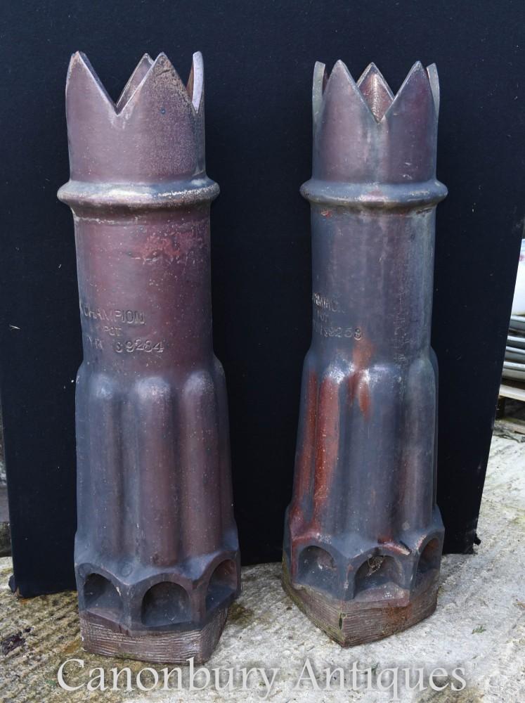 Paar englische Schornsteintöpfe - Planters Architectural Salvage