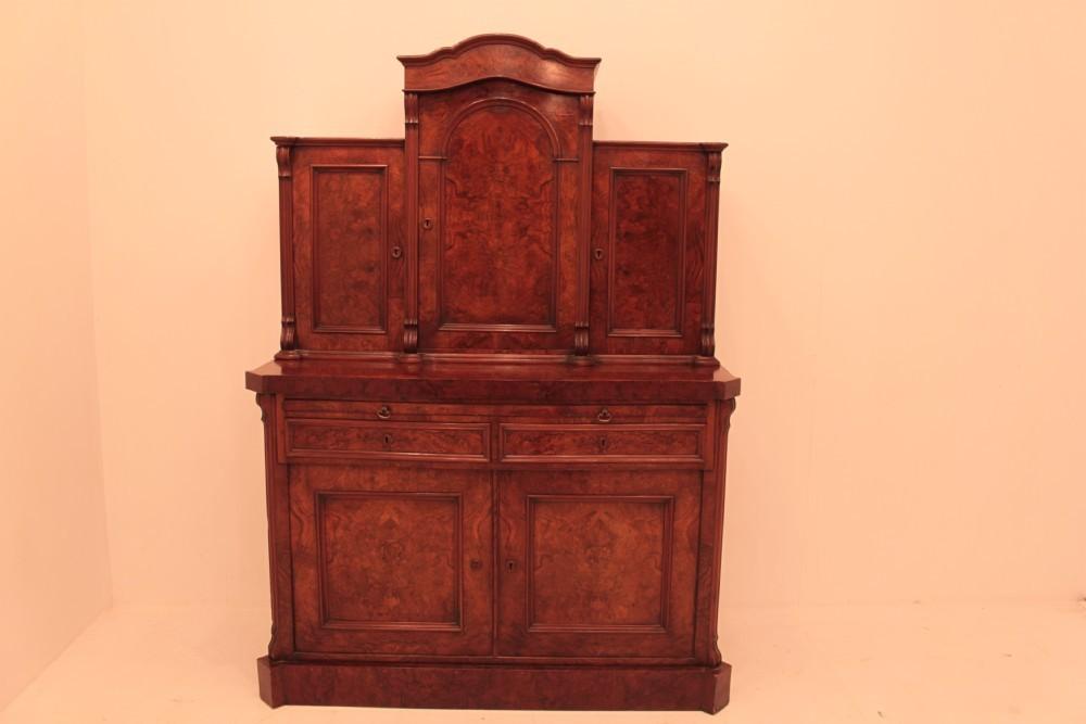 Viktorianisches Kabinett - Antike Walnuss-Truhe um 1860